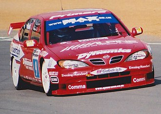 2000 British Touring Car Championship - Matt Neal won the Independents Cup driving a Nissan Primera