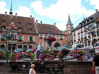 Barr, Bas-Rhin - Image: Barr Place de l'Hôtel de ville