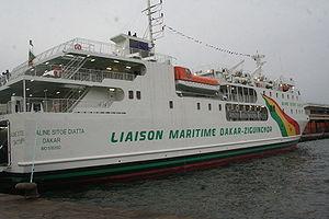 MV Le Joola - Image: Bateau Aline sitoé diatta