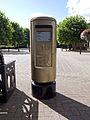 Bedworth gold post box.jpg