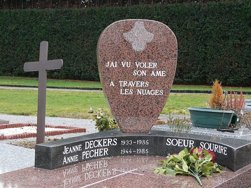 Fichier:Belgique 02.2009 Soeur Sourire (4).JPG