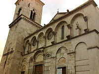 Benevento-Facciata Duomo.jpg