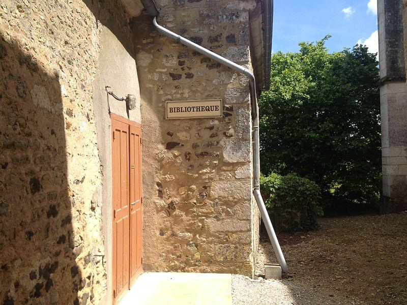 Bibliothèque de Sainte-Colombe-sur-Loing.