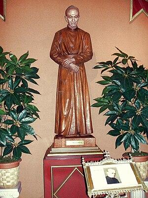 Francisco Gárate Aranguren - Statue.