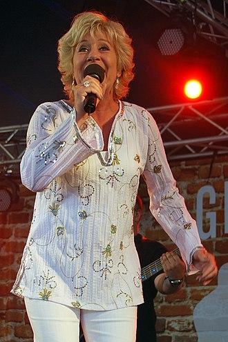 Birthe Kjær - Birthe Kjær during concert at Vig Festival 2010. (Foto: Lars Schmidt)