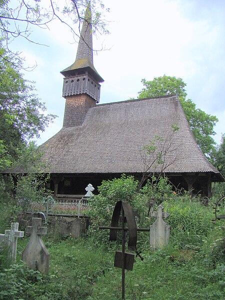 Fișier:Biserica de lemn din Lăpus (34).JPG