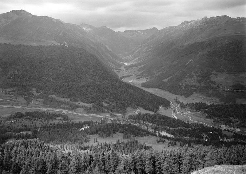 File:Blick ins Oberengadin - CH-BAR - 3241568.tif