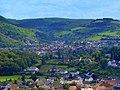 Blick vom Aussichtsturm am Weinbergterrassen- und Orchideenpfad nach Staudernheim und Odernheim - panoramio.jpg
