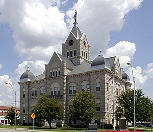 Polk County Courthouse in Bolivar