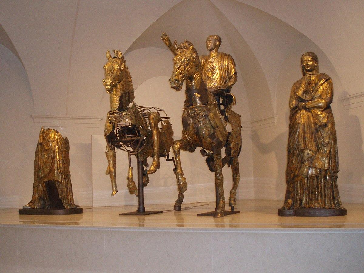 pergola i bronzi dorati