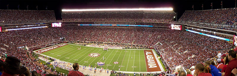 Bryant-Denny Stadium in 2010 Bryant-Denny Stadium panoramic 2010-10-02.jpg