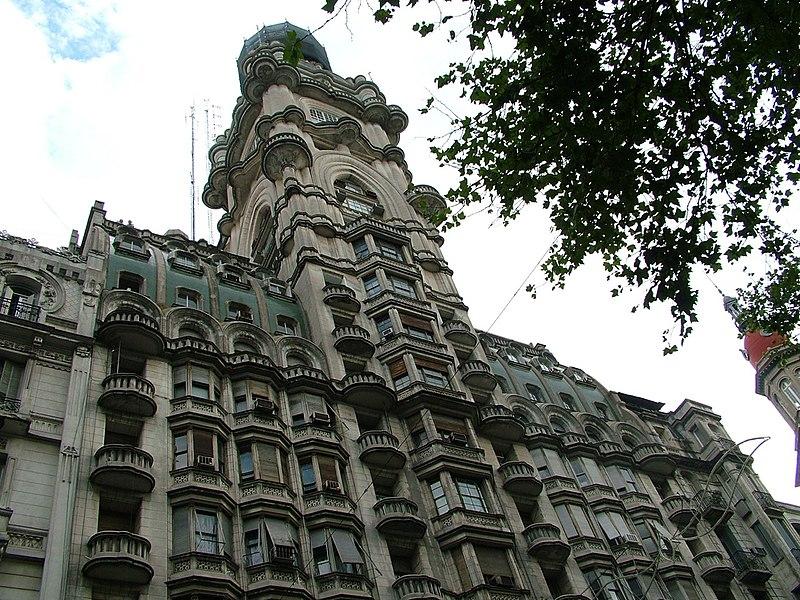 File:Buenos Aires-Av. de Mayo-Palacio Barolo-1.jpg