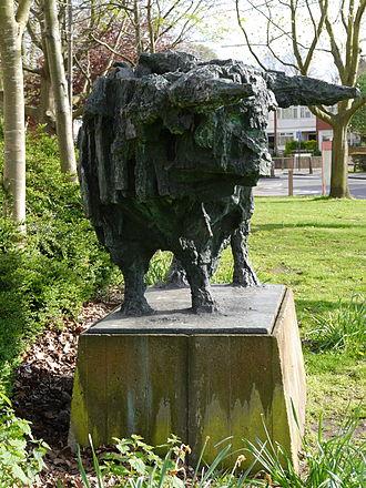 Alton Estate - Image: Bull (Robert Clatworthy sculpture) 07