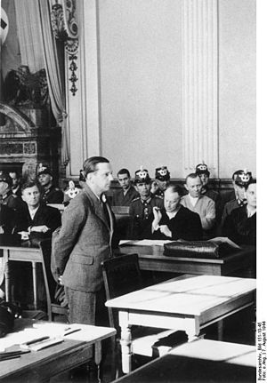 People's Court (Germany) - Image: Bundesarchiv Bild 151 10 45, Volksgerichtshof, Hellmuth Stieff