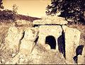 Byalata treva dolmen Hlyabovo BG.jpg