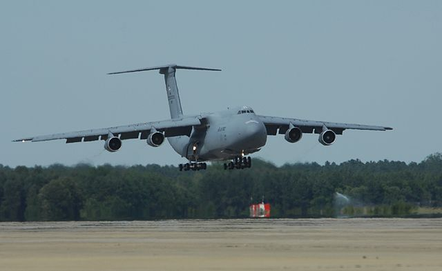 640px-C-5_landing.jpg