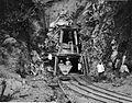 COLLECTIE TROPENMUSEUM Tunnelbouw voor de Ombilin steenkolenmijnen te Sawah Loento Padangse Bovenlanden Sumatra`s Westkust TMnr 60003627.jpg