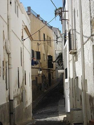 Cadaqués - Cadaqués typical back street (rastell).