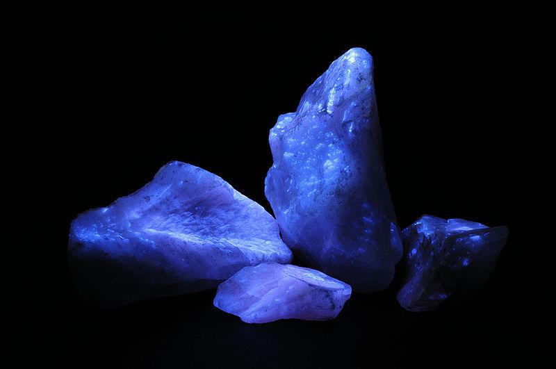 Calcite ShortwaveUV HAGAM.jpg