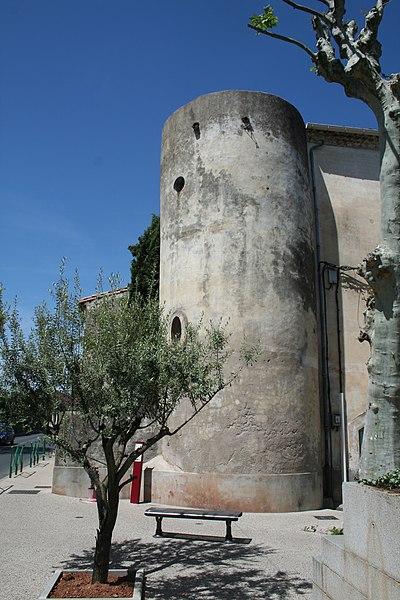 Canet (Hérault) - tour, sur la Grand'Place.