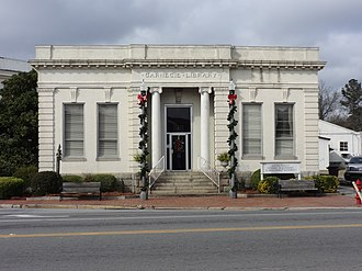 Middle Georgia Regional Library System - The old Carnegie library located in Montezuma, Macon County