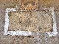 Cartouche, daté, sur une façade.(1).jpg