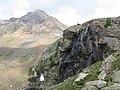 Cascatella nei pressi del rifugio canziani - panoramio.jpg
