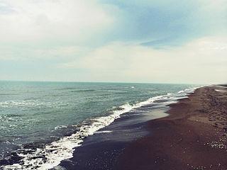 el tema las aguas estancadas los lagos de agua salada, sus caracteristicas, ejemplos del mundo. 320px-Caspian_Sea_Khezershahr_beach