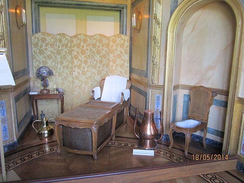 Château de Vaux-le-Vicomte cabinet des bains 1.JPG