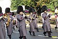 Changing the guard (13101371784).jpg