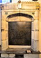 Chelsea Old Church, Thomas More memorial.jpg