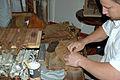 Cigar maker 03.jpg