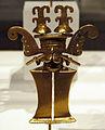 Colombia, tolima, pendente a forma di figura mascherata, X-XVI sec., fusione di lega d'oro.JPG