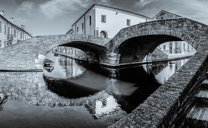 Comacchio - Ponte degli Sbirri.jpg