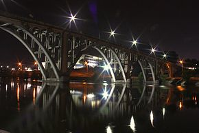 Die Coosa Bridge in Goodyear, Gadsden