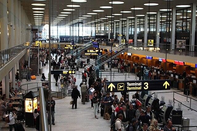 Аэропорт Копенгагена обслужил рекордное количество пассажиров в первой половине 2018 года