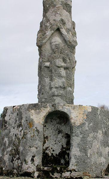 Croix de cimetière (Grand-Champ): emplacement vide pour statut