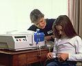 Dívka s peritoneální dialýzou.jpg