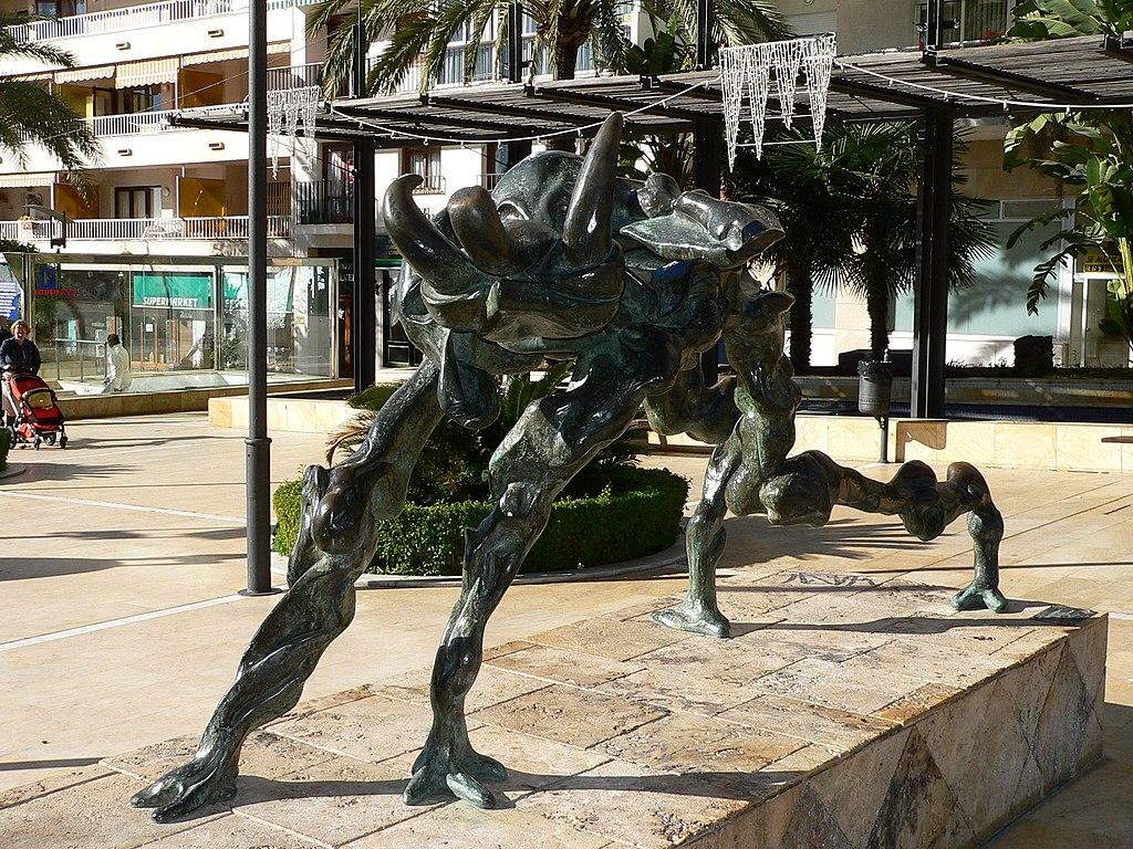 Elefante cósmico (cosmic elephant) by Salvador Dali on Avenida del Mar, Marbella