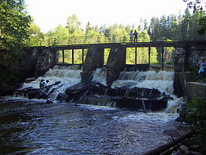 Dam at Volchaya river.JPG