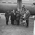 De Franse vocale groep Les Swingle Singers uit Parijs op Schiphol voor optrede, Bestanddeelnr 916-1368.jpg