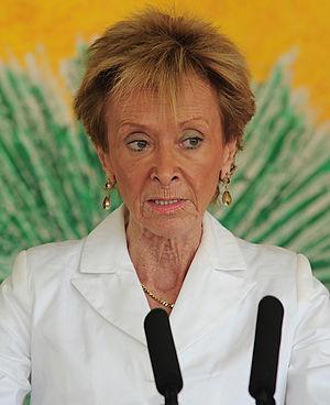Fernández de la Vega Sanz, María Teresa (1949-)