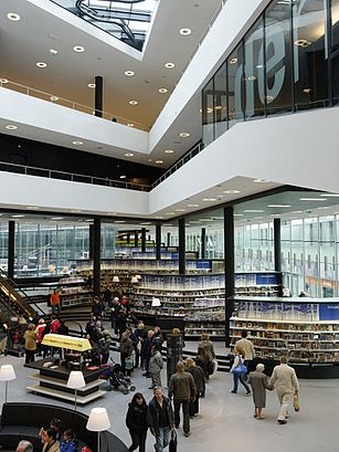 How to get to De Nieuwe Bibliotheek with public transit - About the place