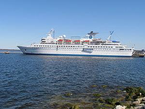 Delphin in Tallinn 8 May 2012 Backbord.JPG