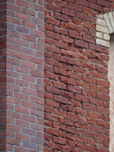 filedetails of the recently exposed bricks on the old spadina hotel 2015 01