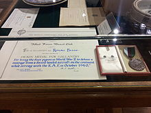 Certificate and medal for Pigeon Royal Blue