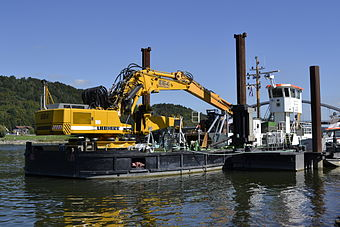 Dredge ship on the Danube.JPG