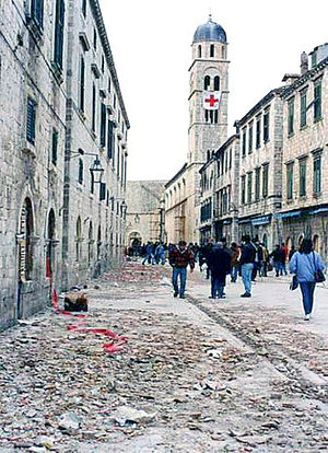 Siege of Dubrovnik - Civilians walking along Stradun Street during the siege