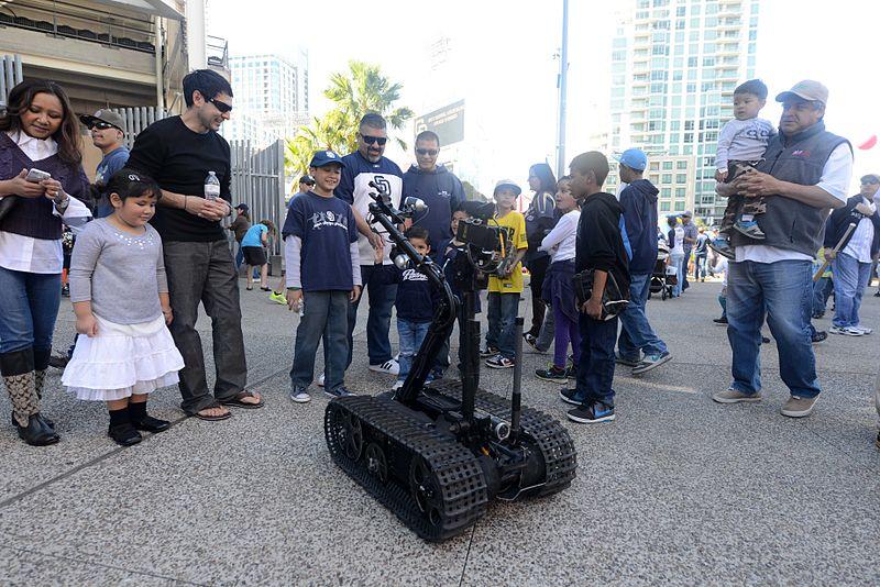 File:EODMU-11 at Padres Fan Fest 140208-N-FN215-230.jpg