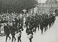 Een groep agenten van politie te Wijchen op het parcours van 50 km op de tweede – F40820 – KNBLO.jpg
